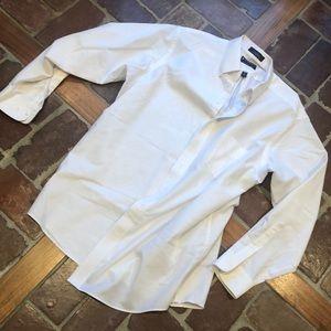 Two white shirts 6️⃣